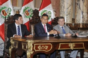 El presidente peruano Ollanta Humala en el Salón Dorado de Palacio de Gobierno, anunció la nueva ley dedicada a peruanos que residen en el extranjero.