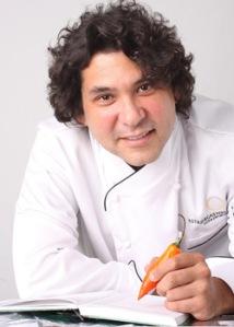El destacado Chef peruano Gastón Acurio arribó esta mañana al Aeropuerto John F. Kennedy de Nueva York y estará promoviendo esta noche las maravillas de la Quinua en su Restaurante La Mar en Manhattan.