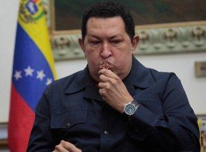 CHAVEZ CON LA CRUZ