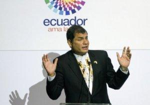 """El presidente de Ecuador, Rafael Correa, advirtió que si embajador no puede regresar a Lima, su país tomará un trato recíproco con el embajador peruano. """"Con el dolor del alma el embajador peruano, Javier León, no podrá regresar a Quito"""", dijo Correa."""