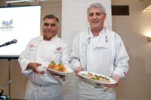 Los Chefs Jacques Benoit -llegado directamente del Perú- y Miguel García engalanaron la feria gastronómica.