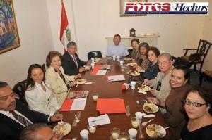 La conferencia de prensa reunió en el Consulado Peruano de Nueva York a comunicadores del área triestatal y líderes comunitarios.