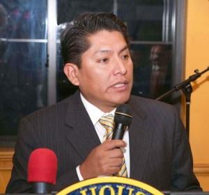 Kilder Fuentes, activista hispano del Partido Democrata en Queens, es autor de la propuesta 11x11.