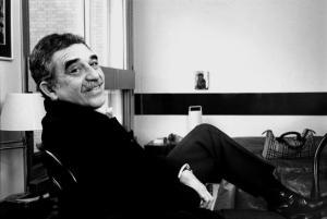 Gabriel García Márquez en su casa en París.