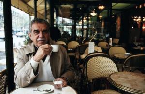 El escritor colombiano en un café de París, Francia el 11 de septiembre de 1990.