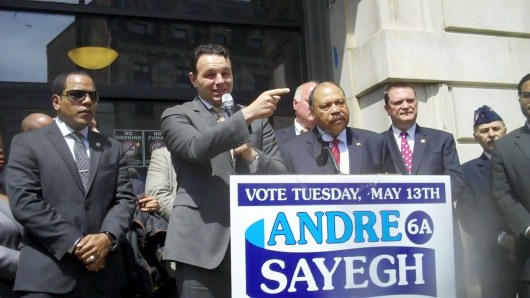 En medio de una ruidosa manifestación, el candidato a la Alcaldía de Paterson, recibió el apoyo político del Partido Demócrata del Condado de Passaic.