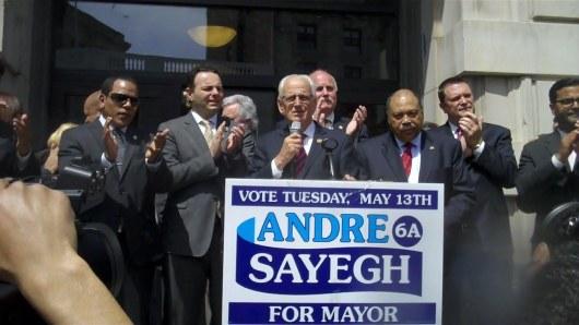 El actual congresista y exalcalde de Paterson Bill Pascrell destacó las cualidades de Andre Sayegh para convertirse en el próximo alcalde de la tercera ciudad de Nueva Jersey.