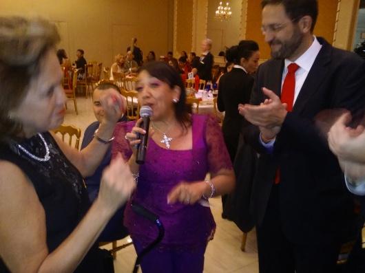 La Cónsul del Perú en Nueva York, María Teresa Merino de Hart, presente durante la Fiesta de Gala del Desfile Peruano de Nueva York.