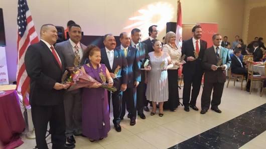 Personalidades peruanas distinguidas con el premio CONDOR DE ORO durante la Gala del Desfile Peruano de Nueva York. FOTO; MARTHA ANCI