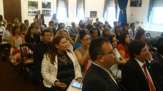 Los peruanos recibieron una conferencia sobre diferentes tópicos, incluido inmigración, educación y política exterior, a cargo de funcionarios de la administración Obama. FOTO: NuestraGenteDigital.com