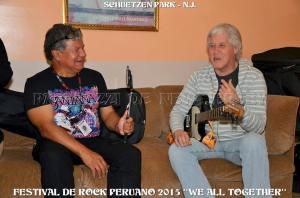 Carlos Guerrero, director de We All Together, entrevistado por el periodista peruano Manuel E. Avendano. FOTO: SAID CHAVARRY