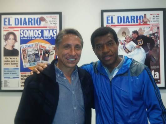 Manuel Negrete (México) y Julio César Uribe (Perú), dos exmundialistas que estarán presentes en el encuentro futbolístico de este DOMINGO 25 DE OCTUBRE en Passaic, Nueva Jersey.