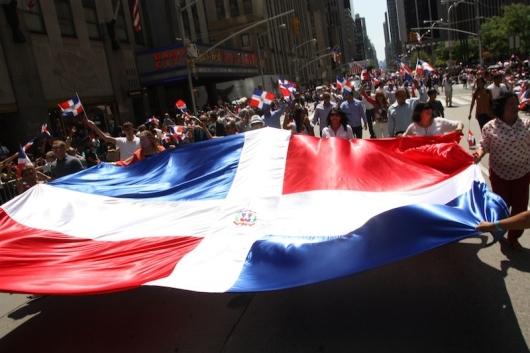 030516 DOMINICANOS EN NY