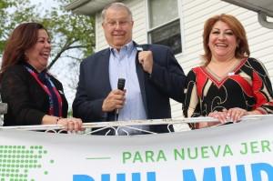 042417 Borough of Roselle Park Mayor Carl Hokanson, Elizabeth Cano y Maria Teresa Bazan, April 23,17