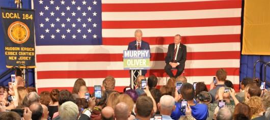 Photo Bill Clinton & Phil Murphy, Paramus 2017