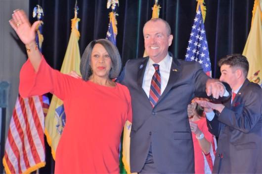Foto Phil Murphy y Sheila Oliver, ganan elecciones en New Jersey.jpg